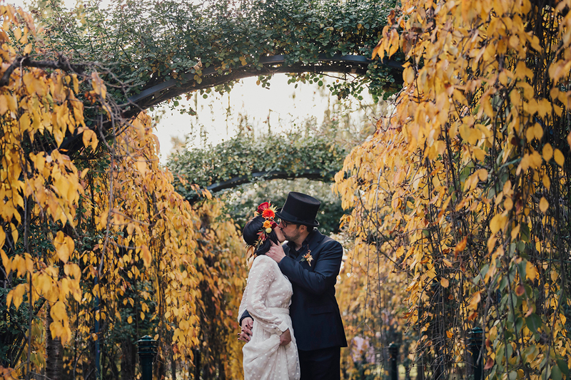 Small Canberra wedding options - pay by the hour. Canberra elopements